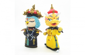 故宫博物院吉祥物美美和壮壮由上海唐威玩具厂承接生产!